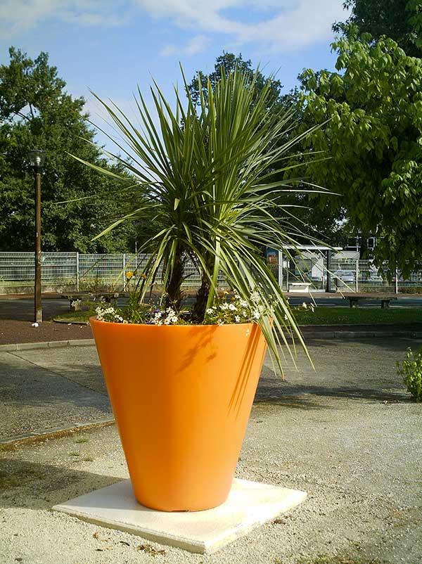 pots de fleurs g ants le bon choix blog am nagement jardin. Black Bedroom Furniture Sets. Home Design Ideas
